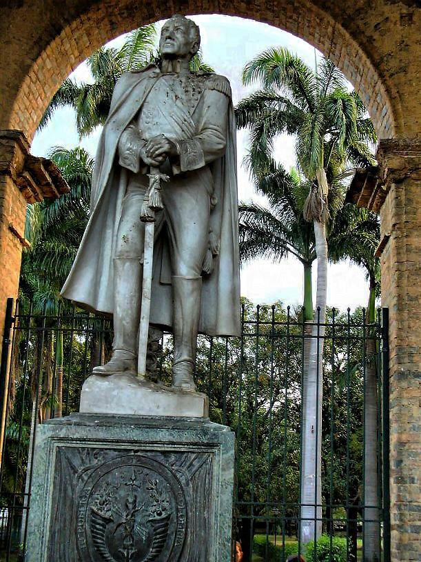 Historia de la colombiana - 2 6